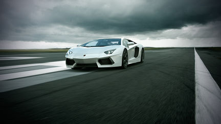 Lamborghini Aventador LP 700-4 in motion