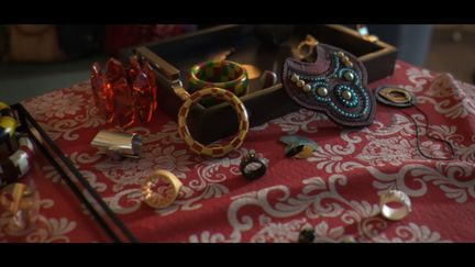 the jewelry table